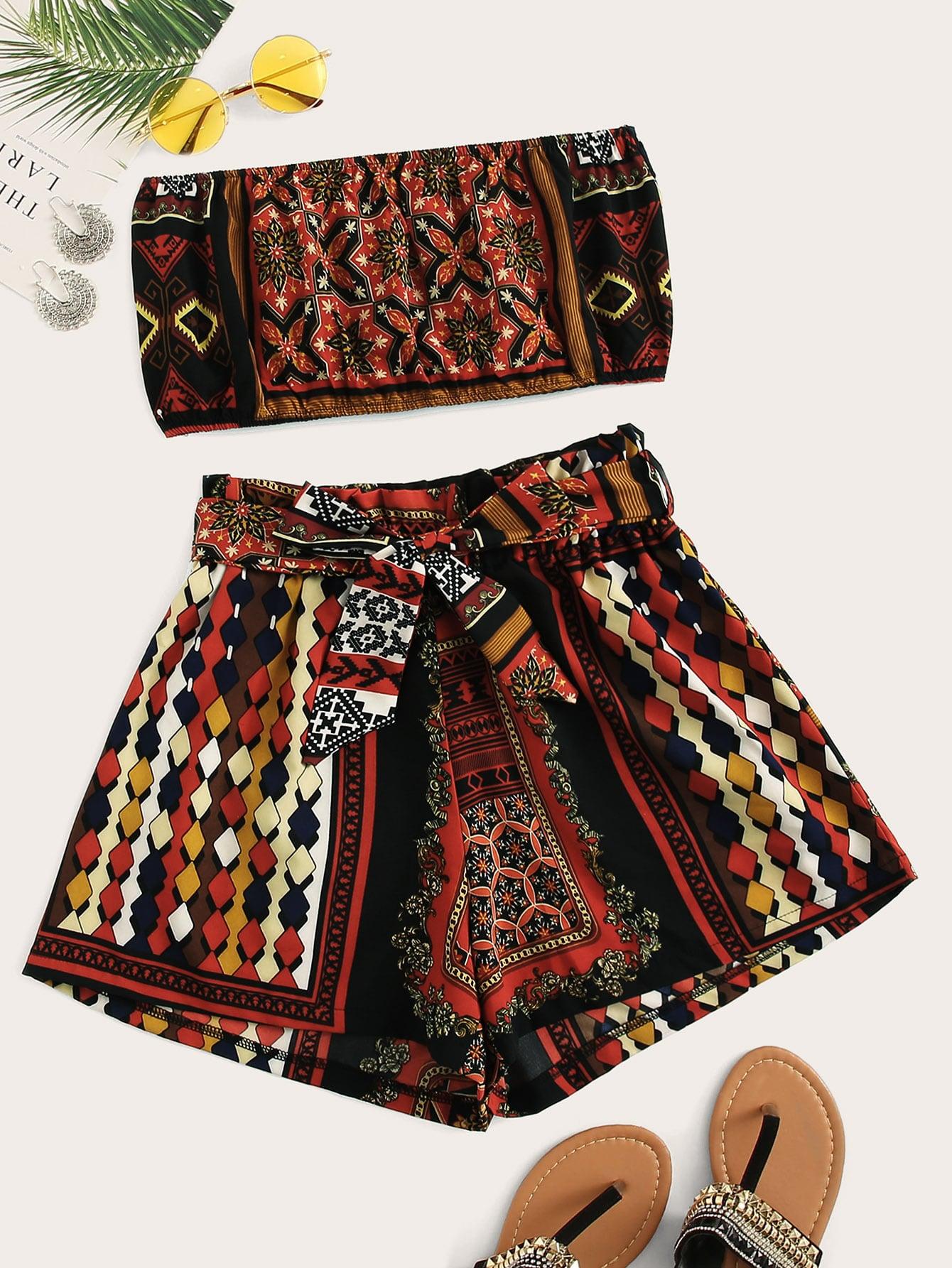 Фото - Топ-бандо с оригинальным принтом и шорты с поясом от SheIn цвет многоцветный