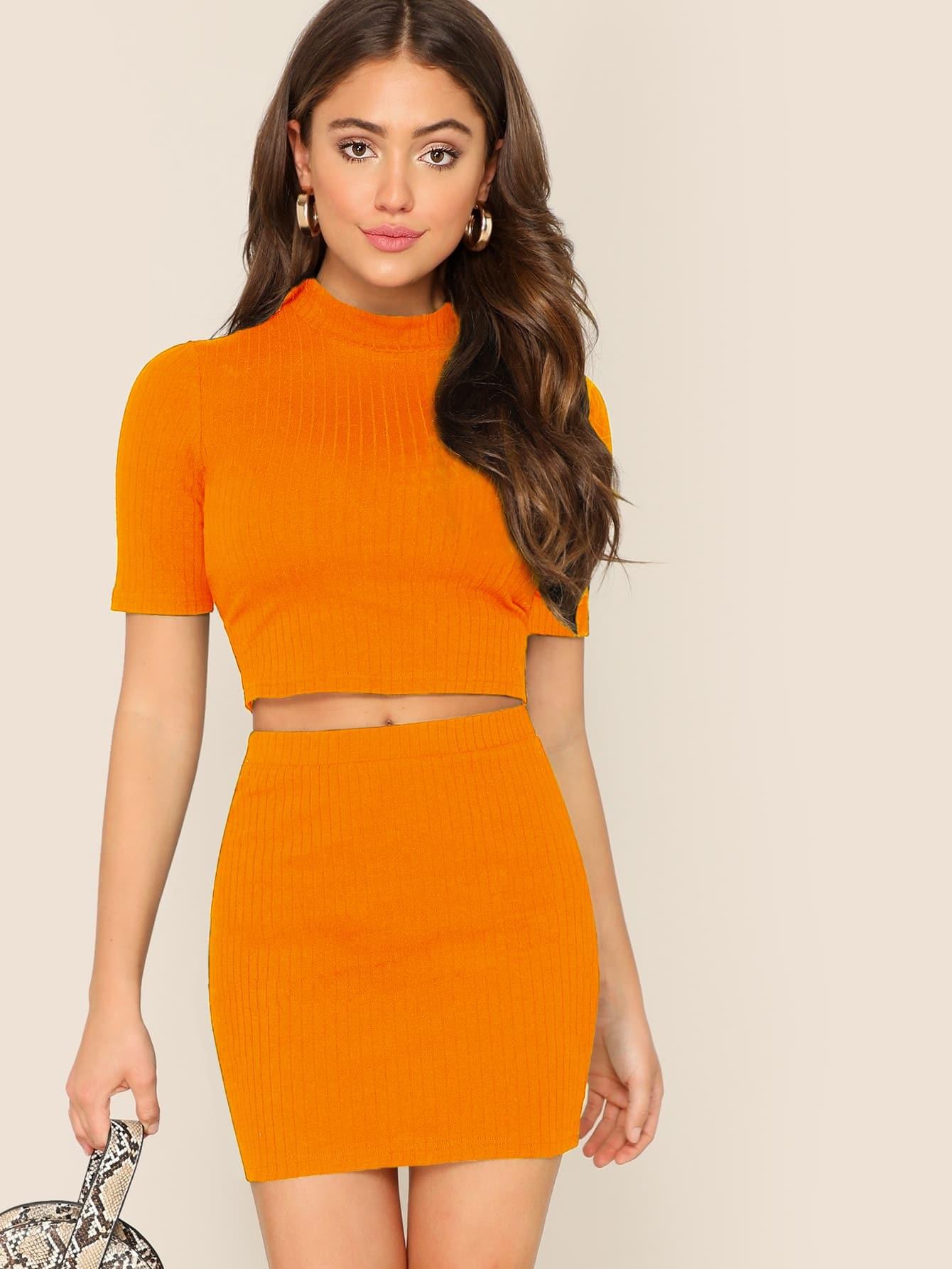 Фото - Трикотажные футболка и облегающая юбка от SheIn оранжевого цвета