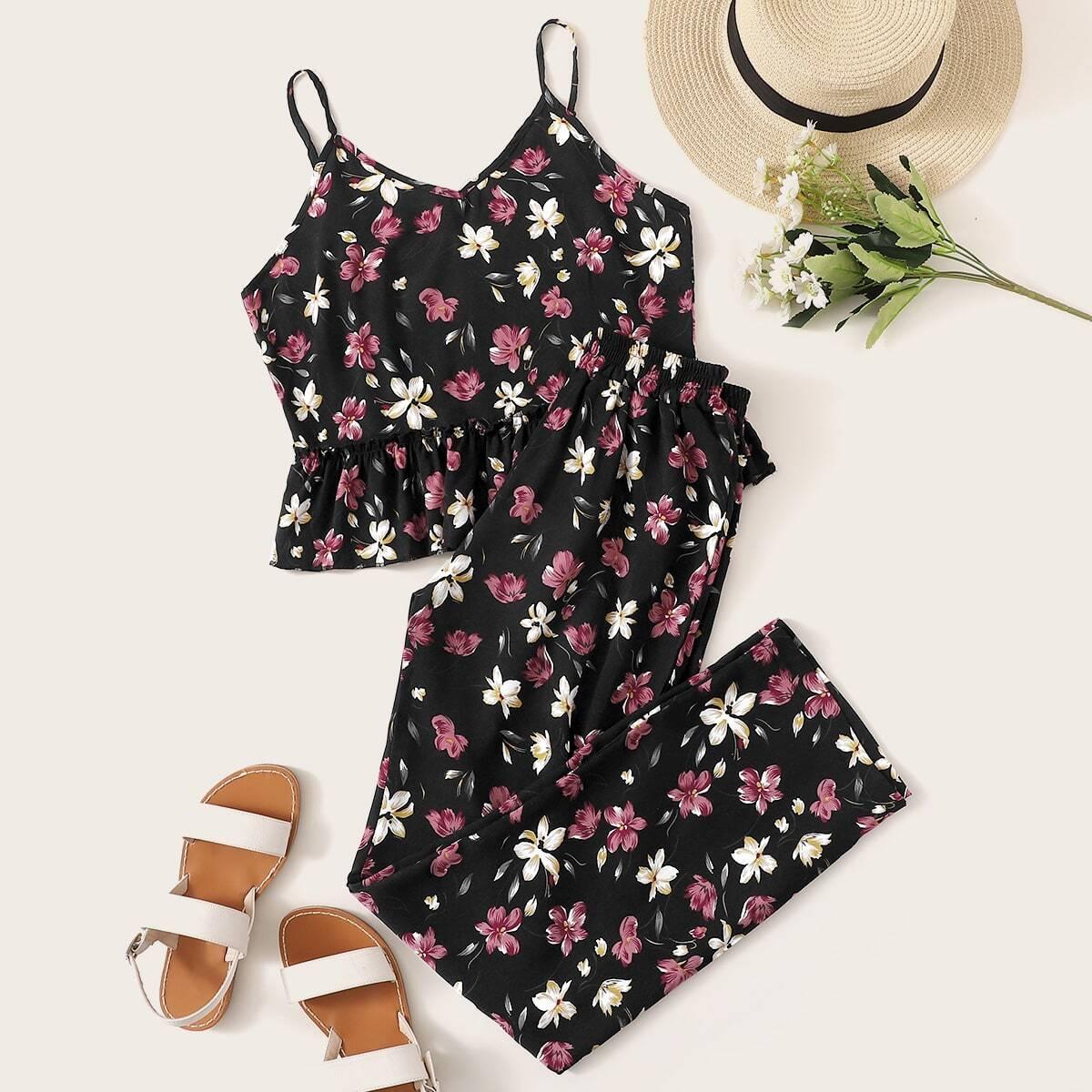 Пижамы на бретелях с оборкой и цветочным принтом от SHEIN