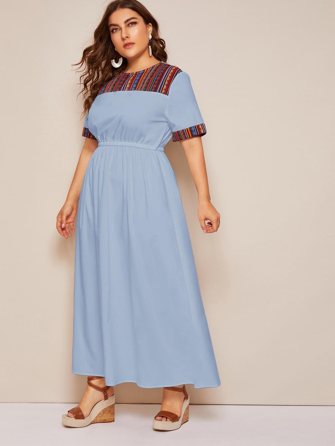 Фото - Длинное платье размера плюс с вышивкой от SheIn цвет синие