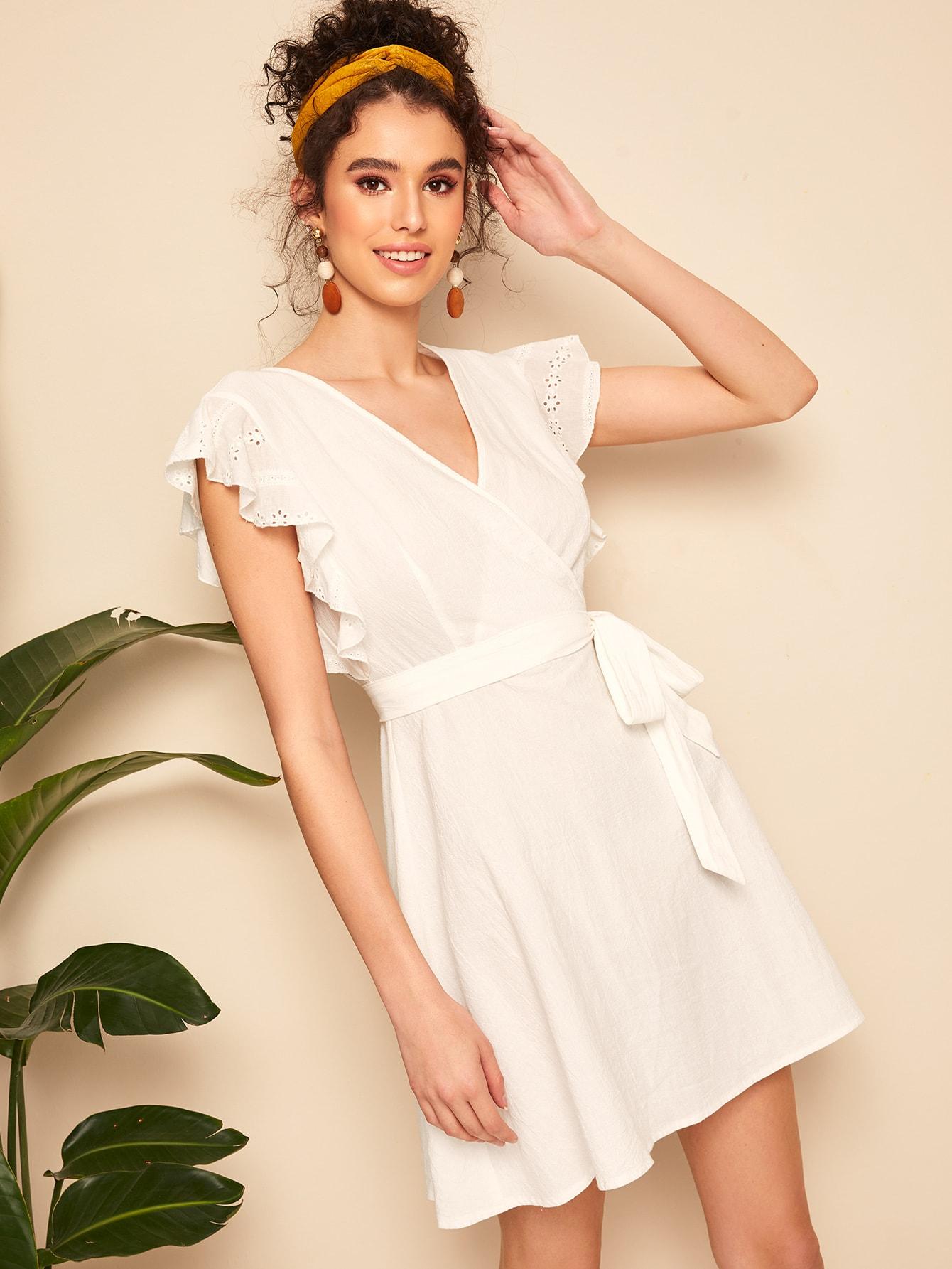 Фото - Платье на запах с оригинальным рукавом от SheIn цвет белые