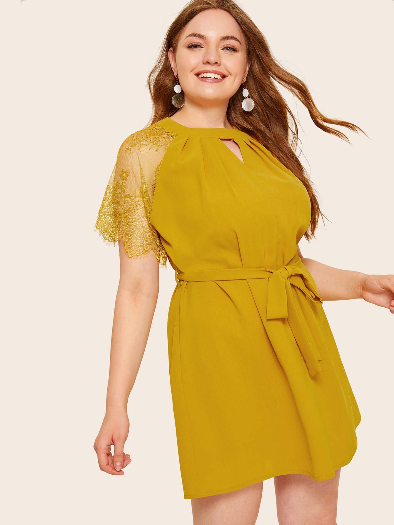 Платье с кружевным рукавом размера плюс
