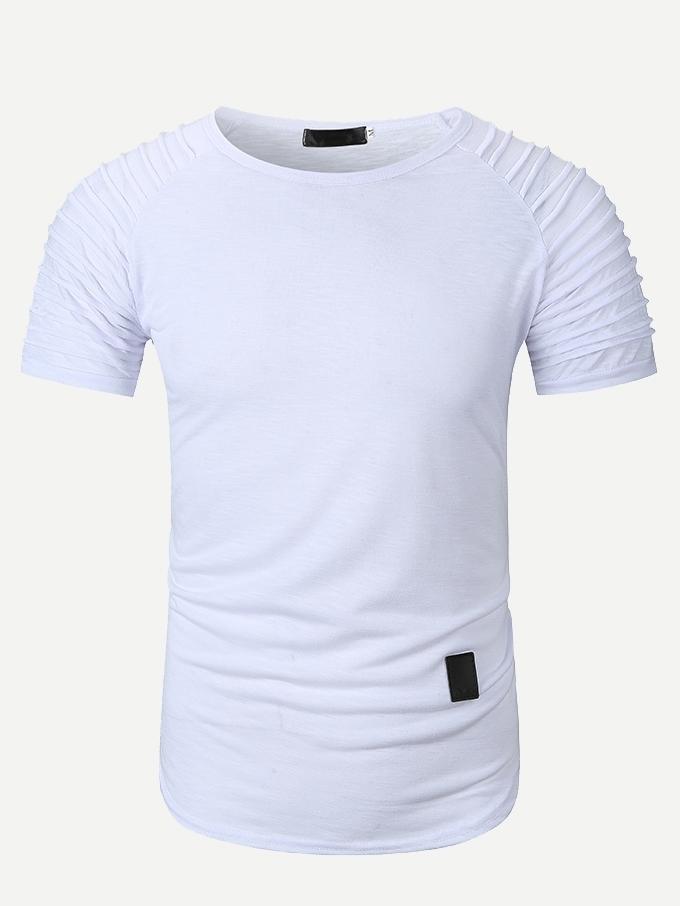 Фото - Мужская однотонная футболка с оригинальным рукавом от SheIn белого цвета