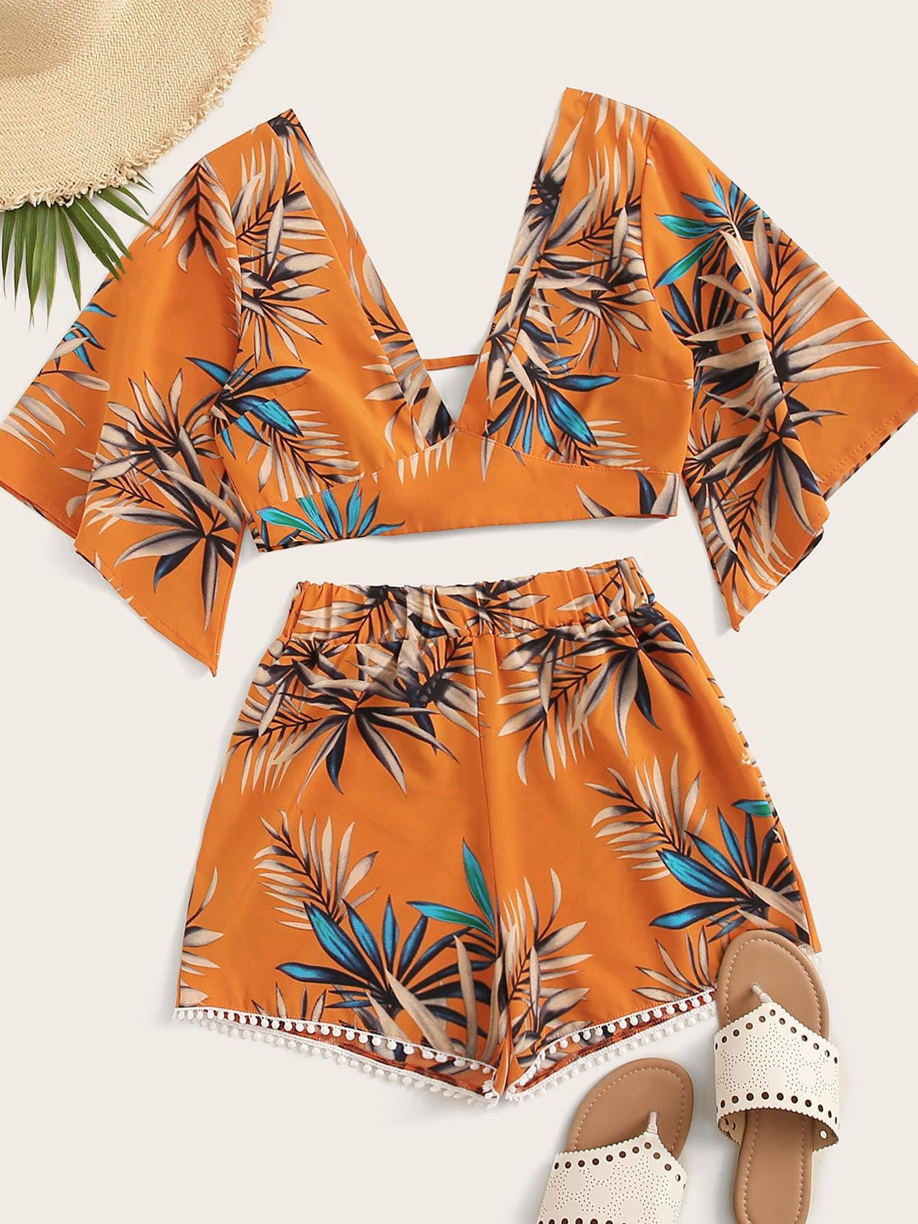 7d5ddb3366fb48 Leaf Print Blouse & Pompom Trim Shorts | SHEIN UK