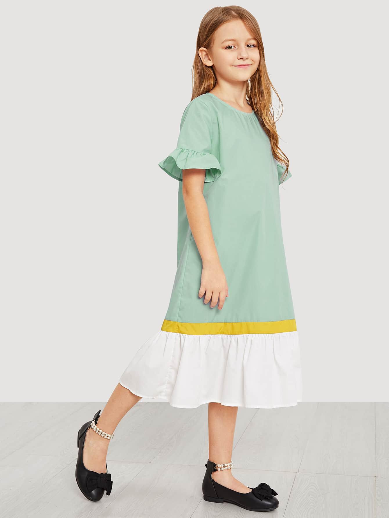 Фото - Контрастное платье с оборкой и оригинальным рукавом для девочек от SheIn цвет зелёные