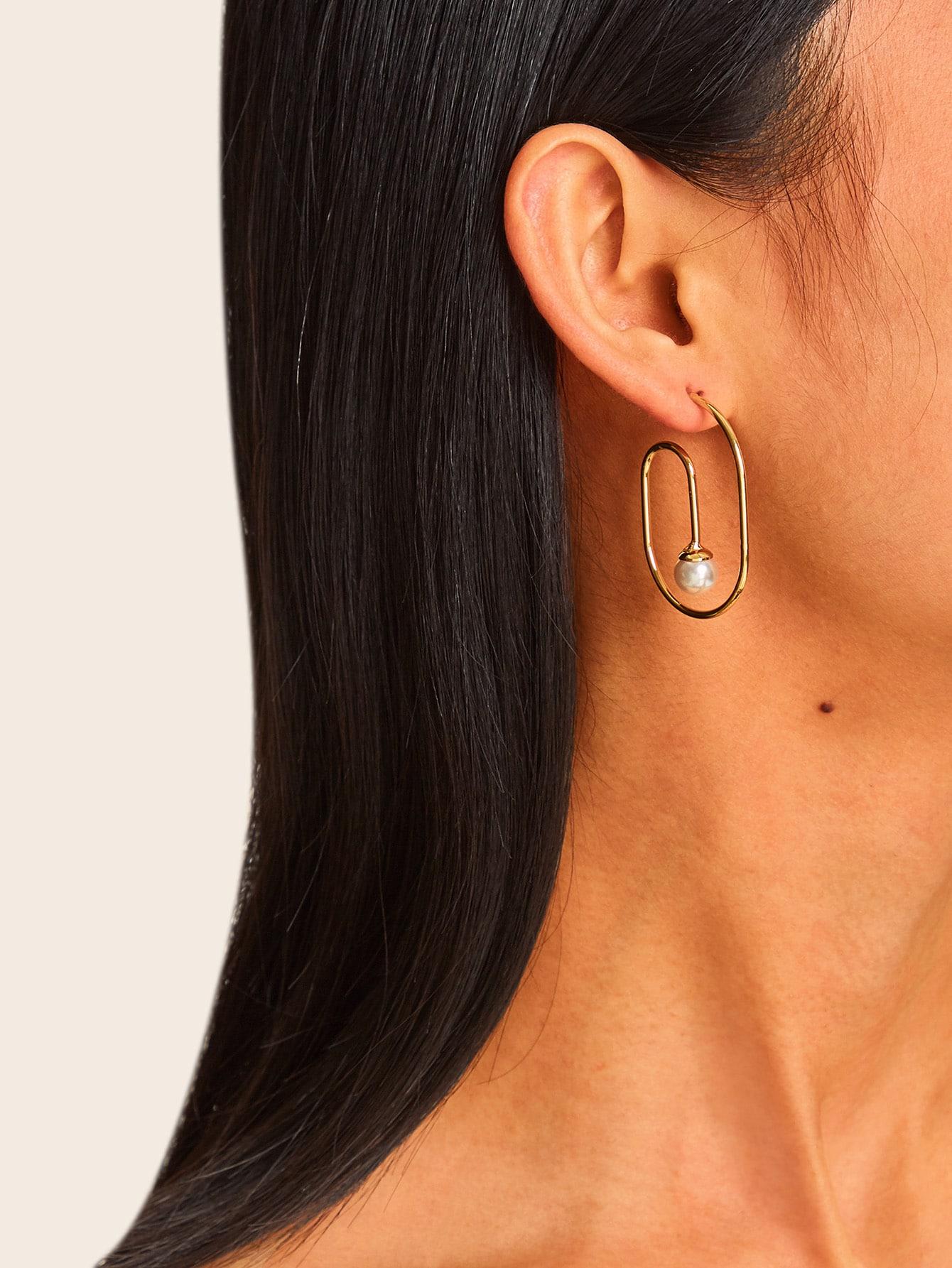 Фото - Серьги-кольца с искусственными жемчугами 1 пара от SheIn цвет золотые