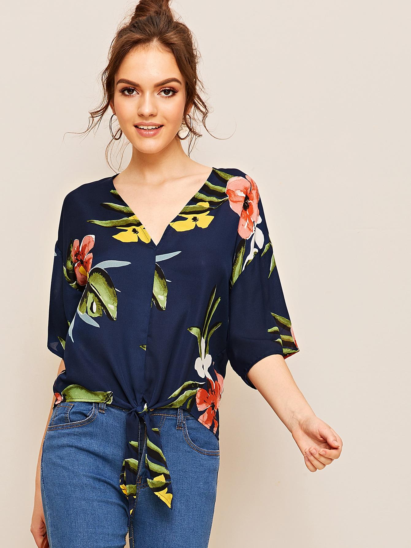 Фото - Блузку с цветочным принтом и V-образным вырезом от SheIn цвет многоцветный