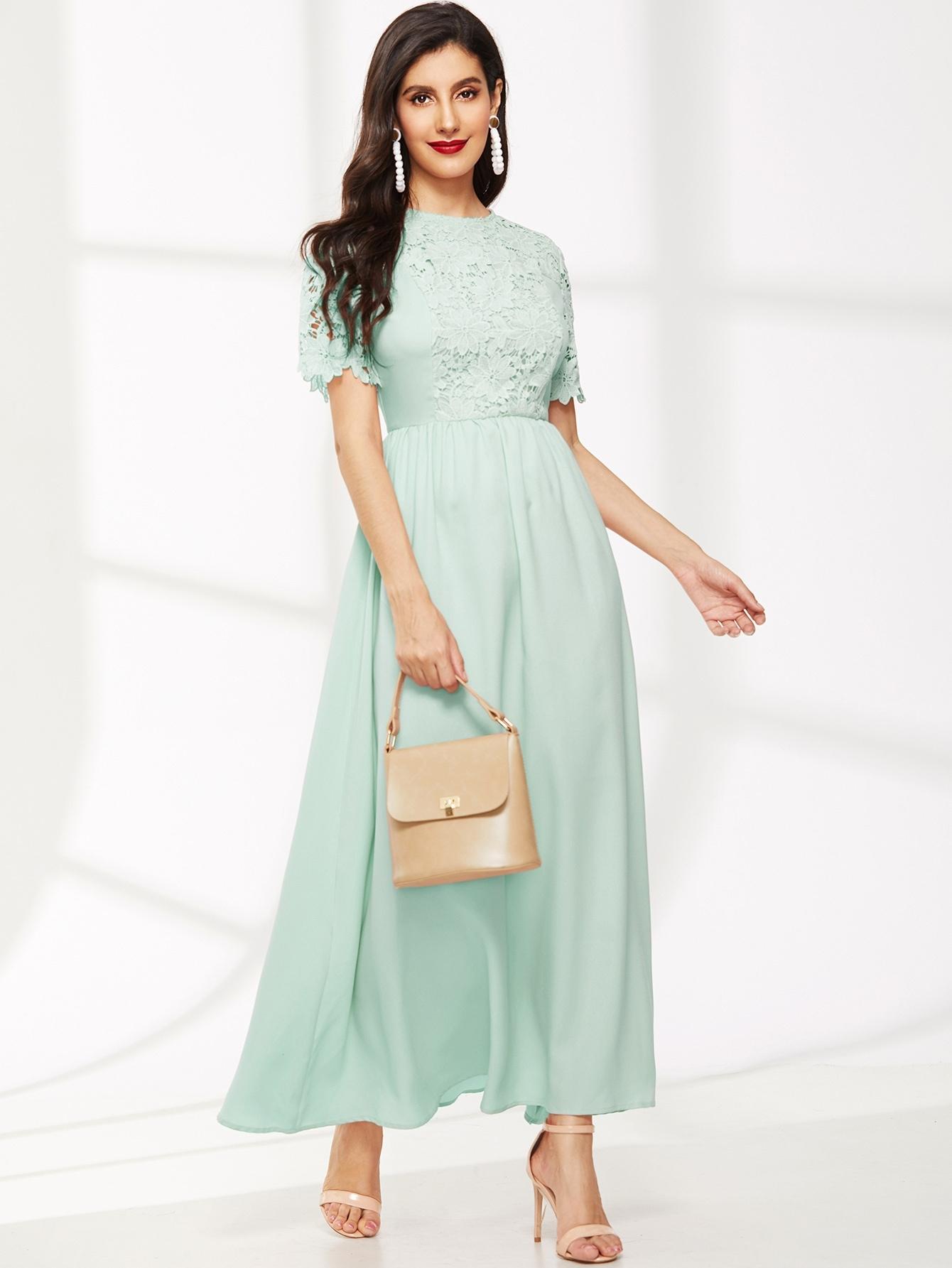 Фото - Приталенное расклешенное платье с молнией и кружевом от SheIn цвет зелёные