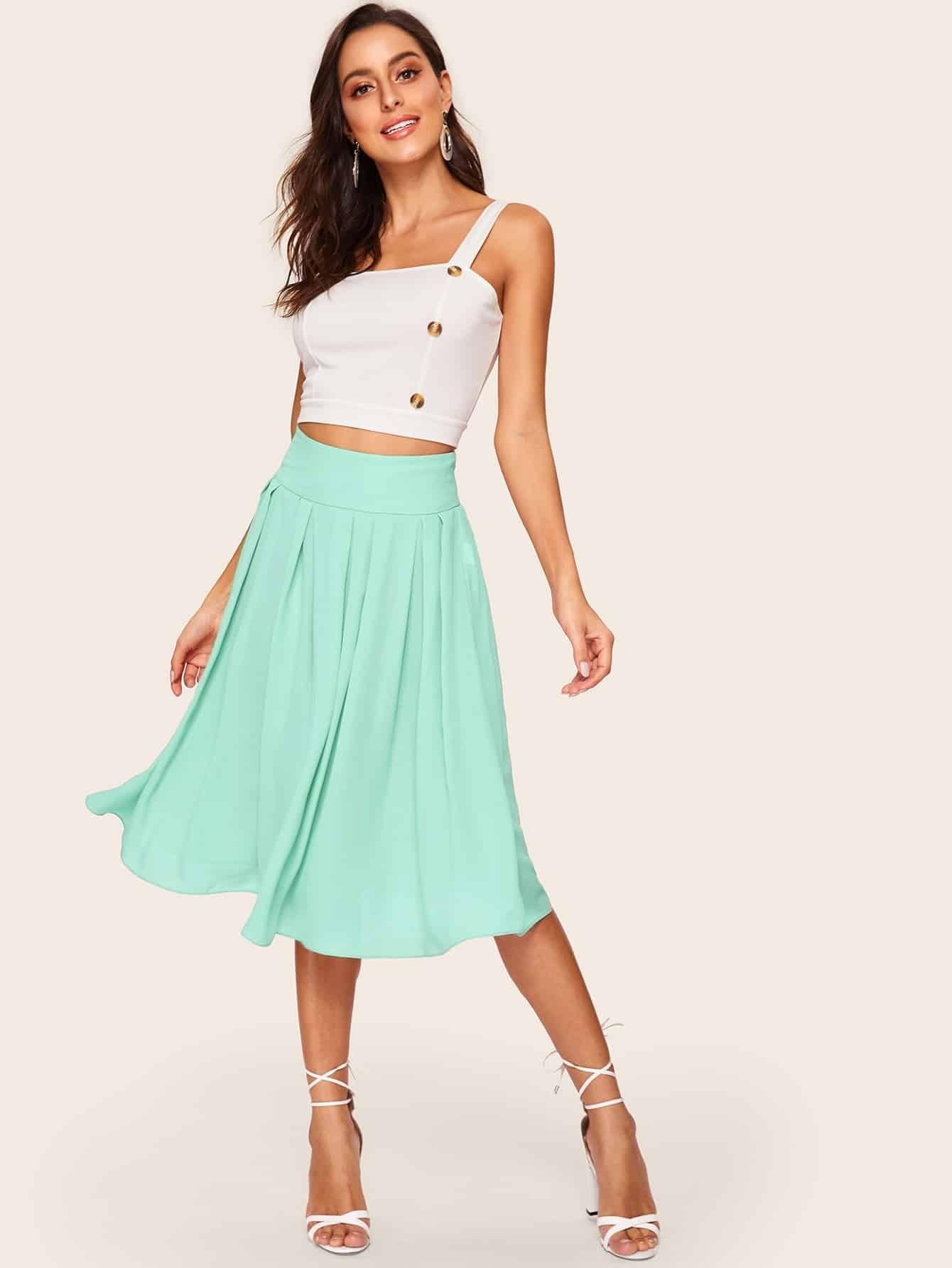 Фото - Однотонная раскоешенная юбка с поясом от SheIn зеленого цвета
