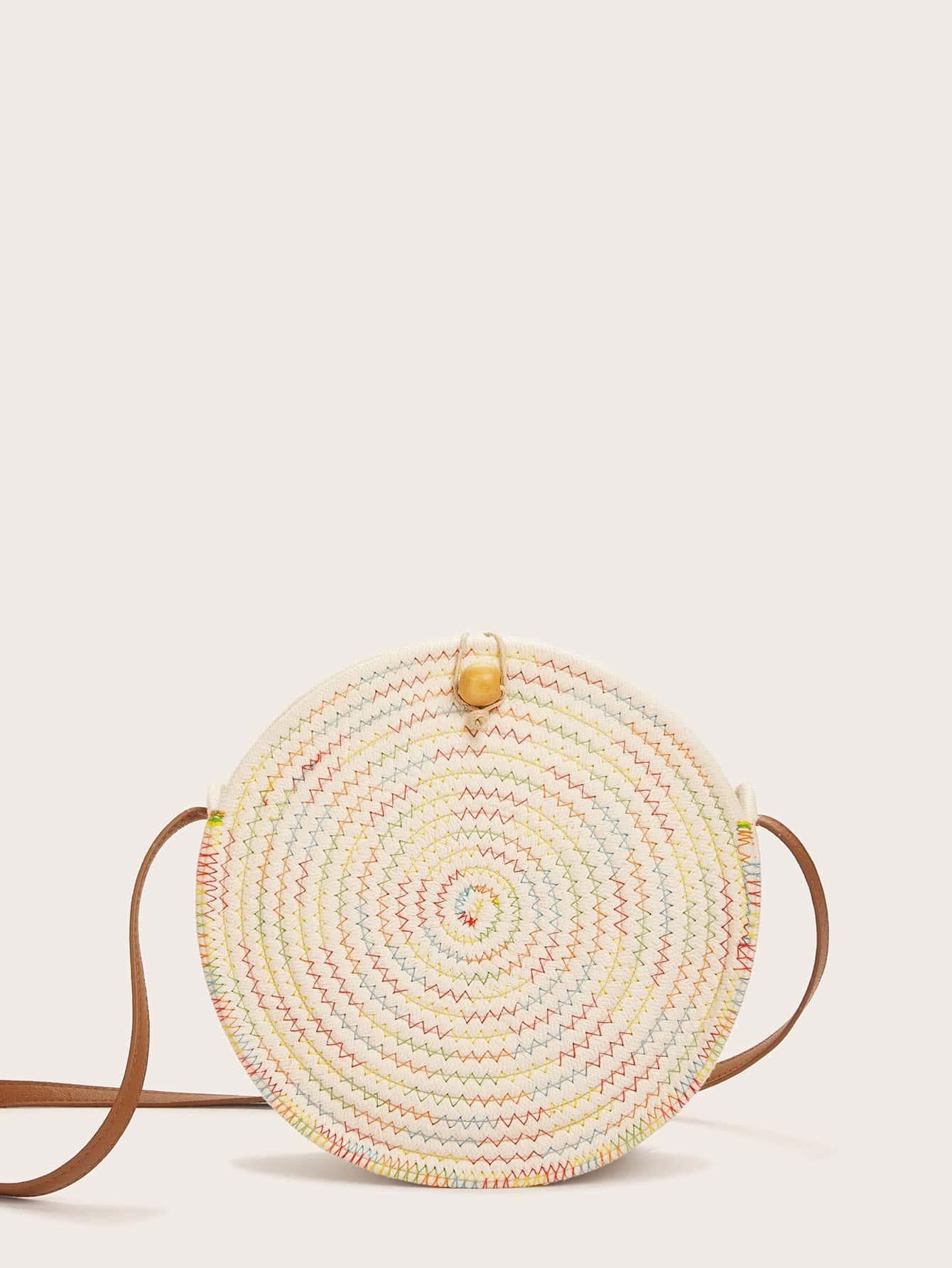 Фото - Шевронная круглая сумка от SheIn бежевого цвета