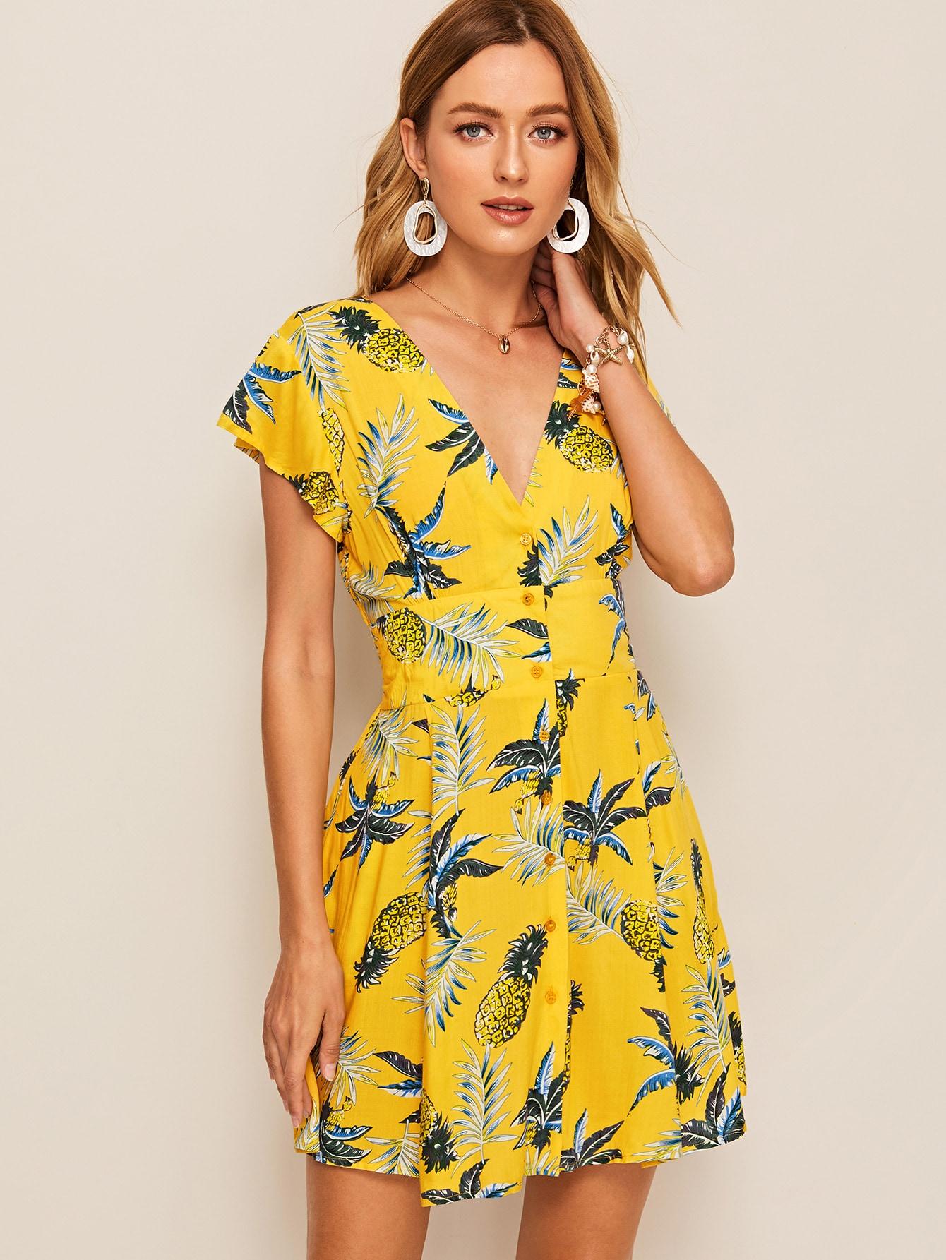 Фото - Платье на пуговицах с тропическим принтом от SheIn цвет жёлтые