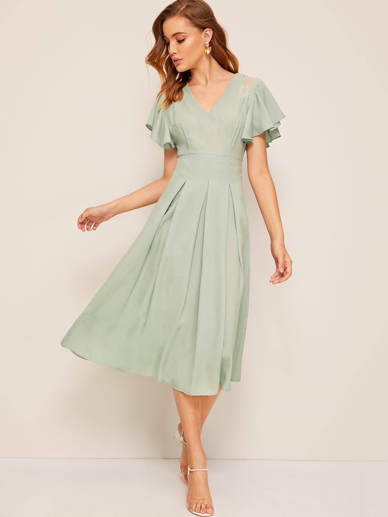 Фото - Платье с оригинальным рукавом и кружевной вставкой от SheIn цвет зелёные