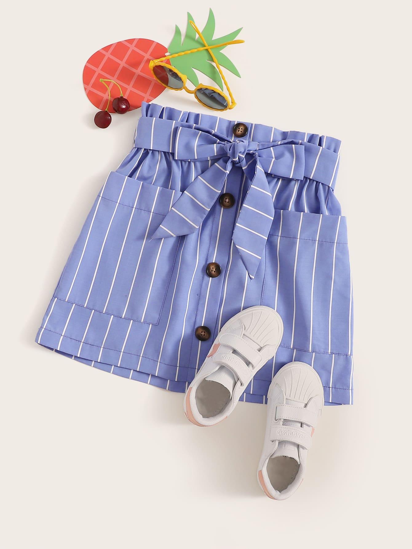 Фото - Полосатая юбка с карманом, пуговицами и присборенной талией от SheIn синего цвета