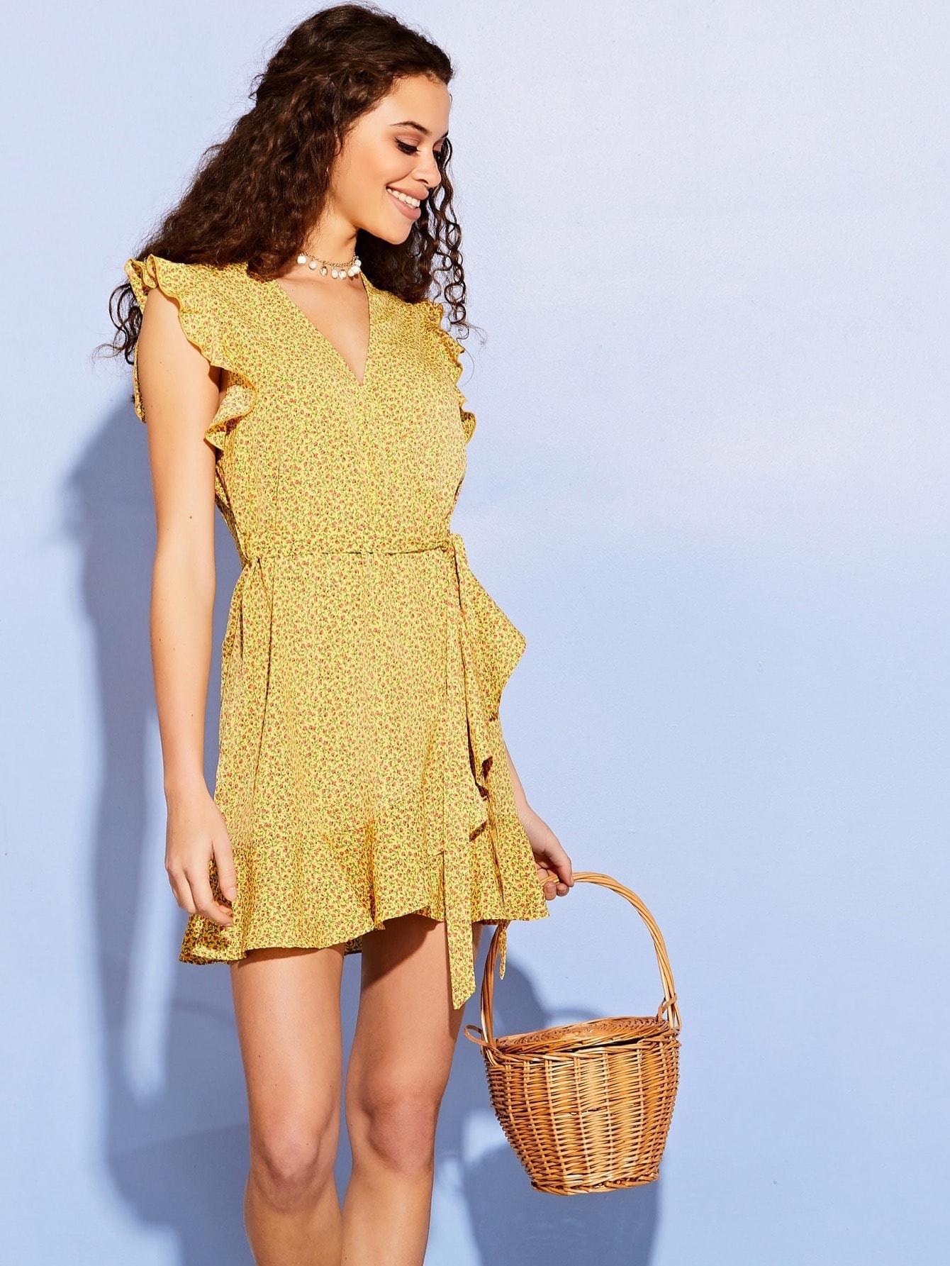 Фото - Платье на запах с цветочным принтом от SheIn цвет жёлтые
