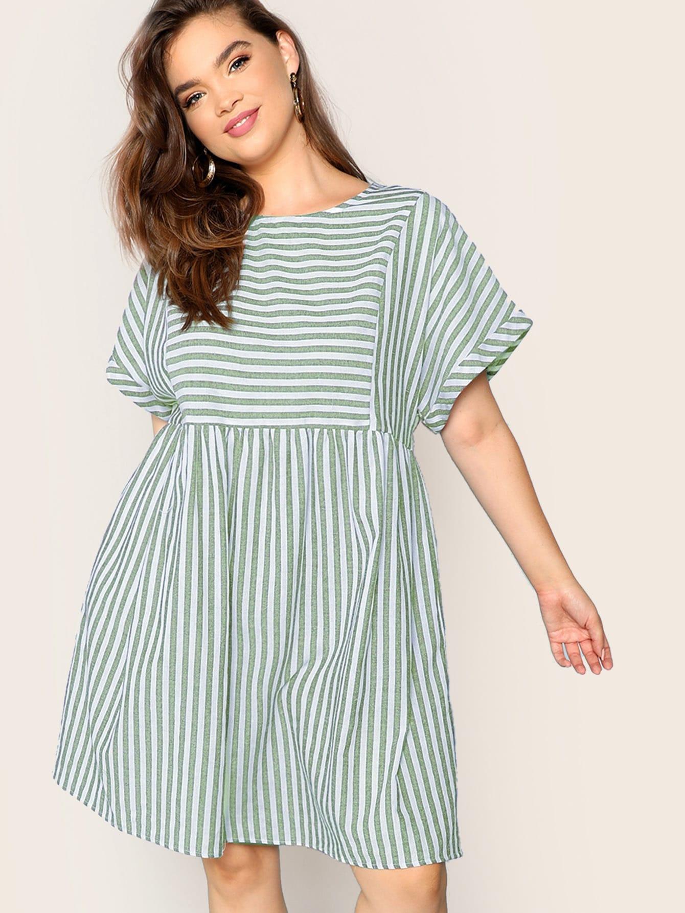 Фото - Ажуное полосатое платье размера плюс от SheIn цвет зелёные