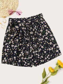 Plus Ditsy Floral Paperbag Waist Shorts