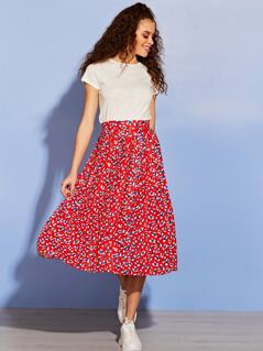 Wide Waist Band Pleated Skirt