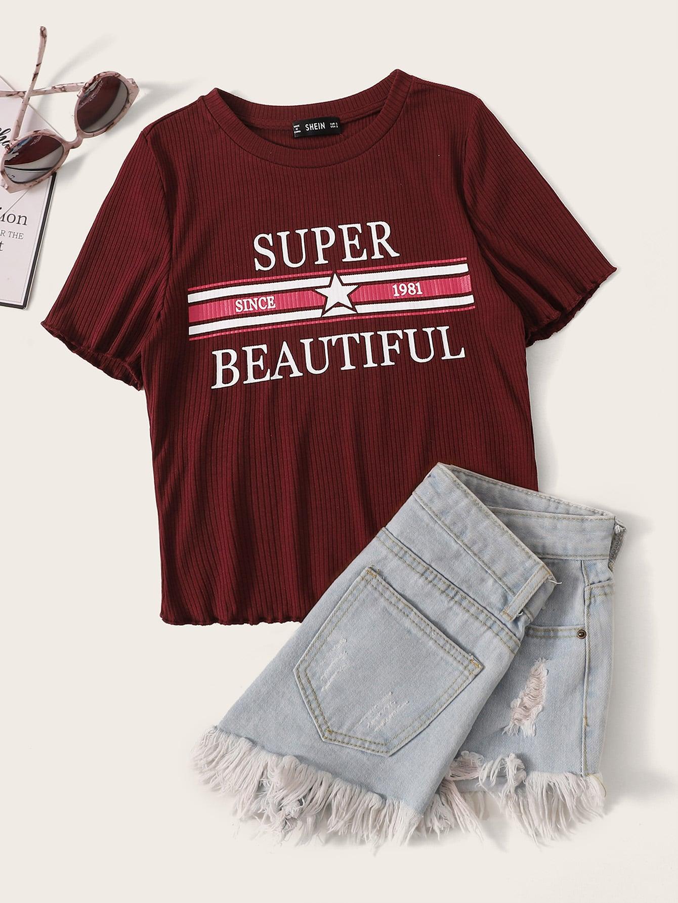 Фото - Вязаная ребристая футболка с оригинальной отделкой от SheIn бордового цвета