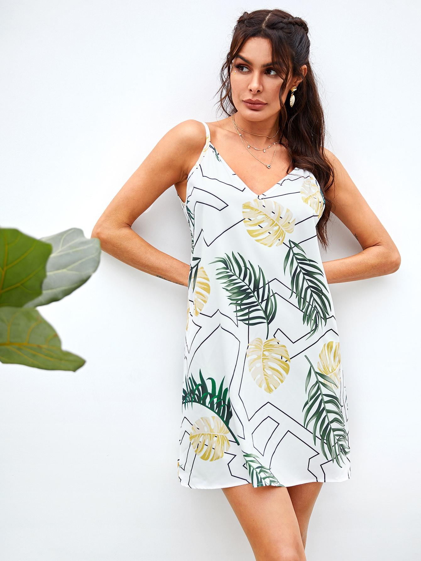 Фото - Платье на бретелях с тропическим принтом от SheIn цвет белые