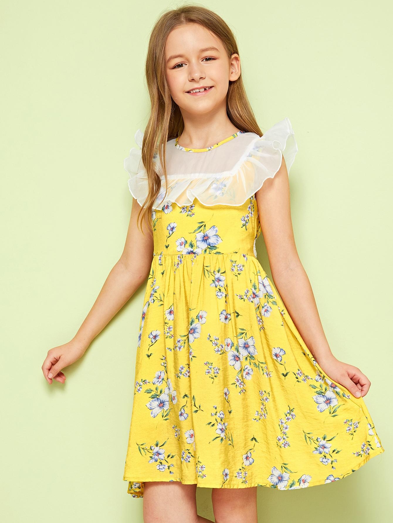 Фото - Платье с цветочным принтом, завязкой и оборкой для девочек от SheIn цвет жёлтые