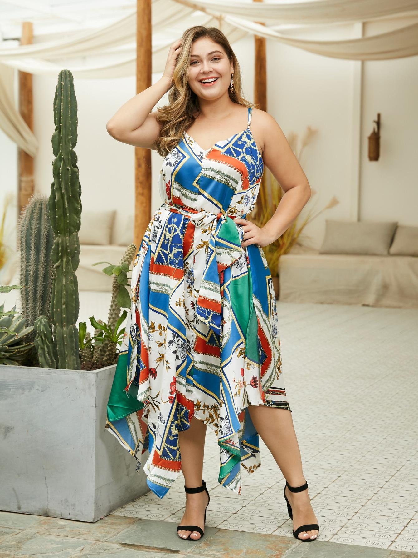 Фото - Размера плюс платье на бретелях с асимметричным низом и графическим принтом от SheIn цвет многихцветные
