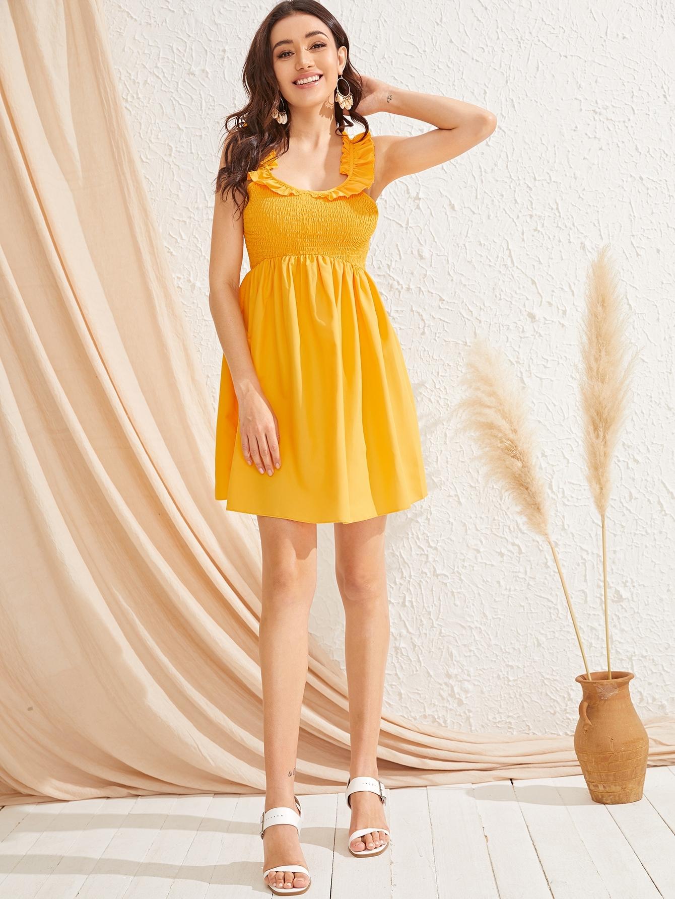 Фото - Стильное платье с оборками на бретелях от SheIn цвет жёлтые
