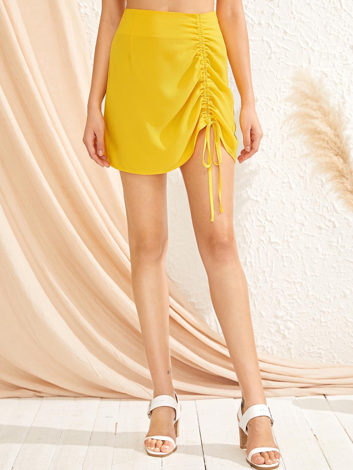 Фото - Юбку на кулиске с высокой талией от SheIn желтого цвета