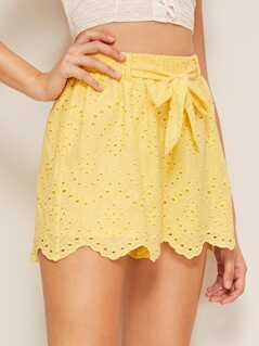 Solid Scalloped Hem Schiffy Belted Shorts