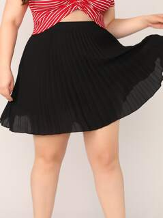 Plus Pleated Swing Skirt