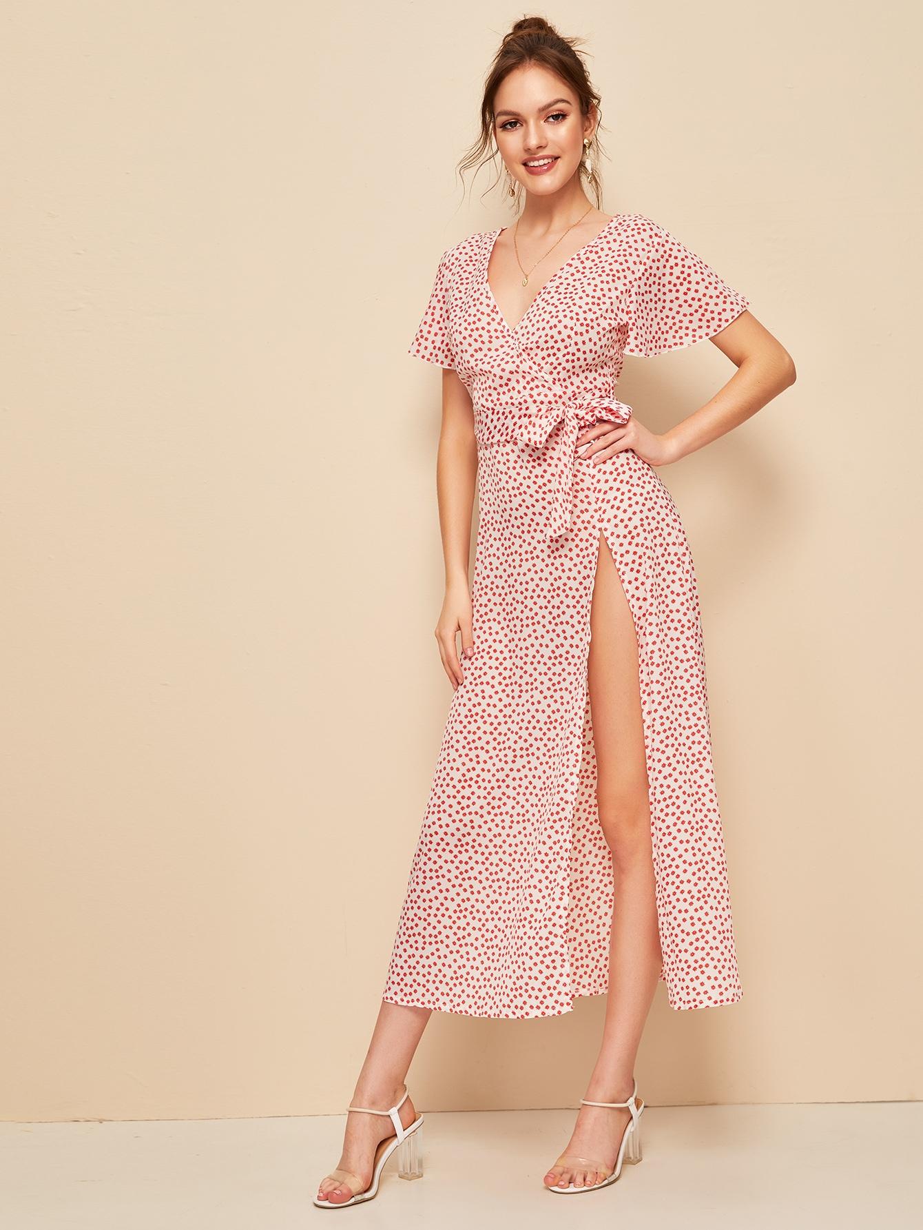 Фото - Платье на запах с цветочным принтом от SheIn цвет многоцветный