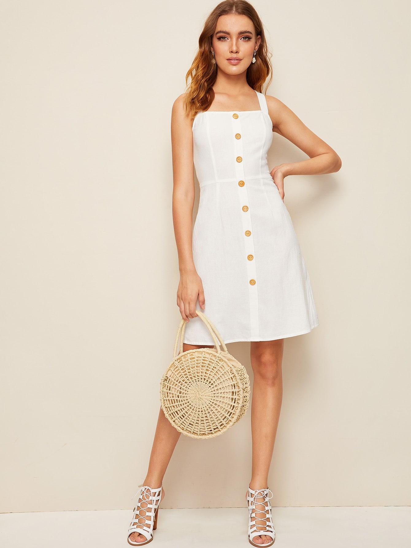 Фото - Платье с пуговицами от SheIn цвет белые