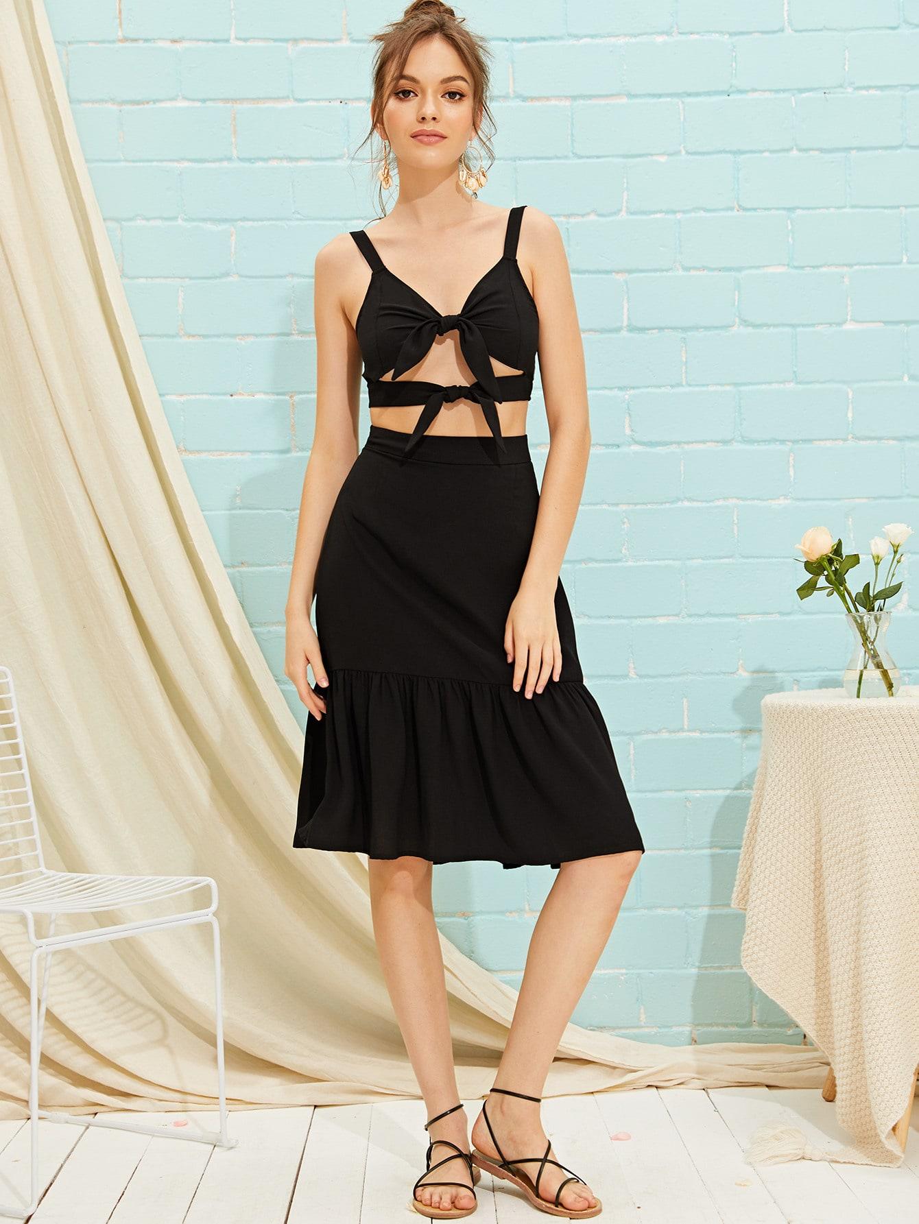 Фото - Топ на бретелях с узлом и юбка от SheIn черного цвета