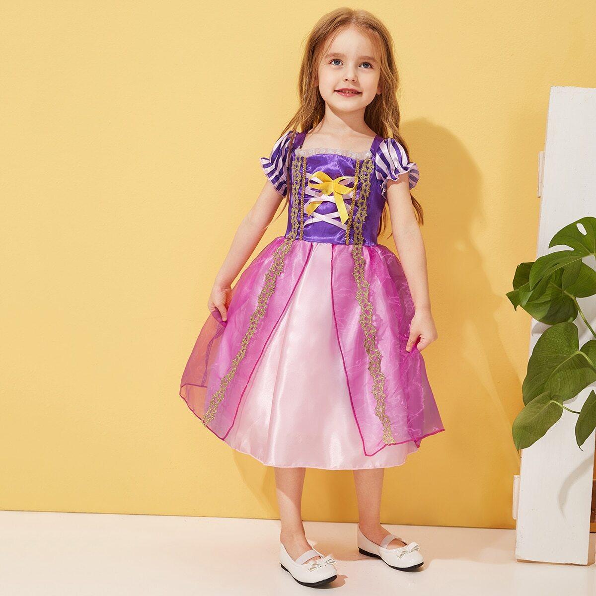 Платье с оригинальным рукавом и контрастной сетчатой вставкой для маленьких девочек от SHEIN