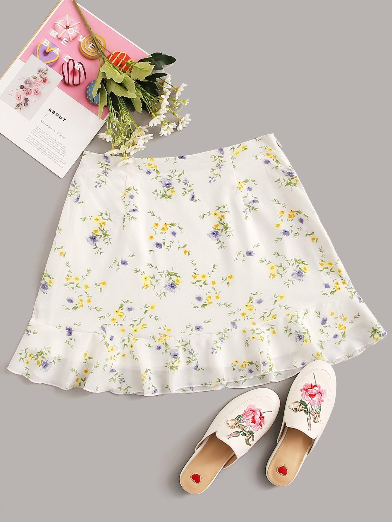 Фото - Юбку с цветочным принтом от SheIn белого цвета