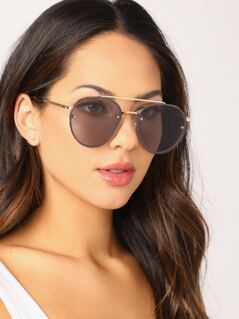 Thin Metal Rim Aviator Sunglasses