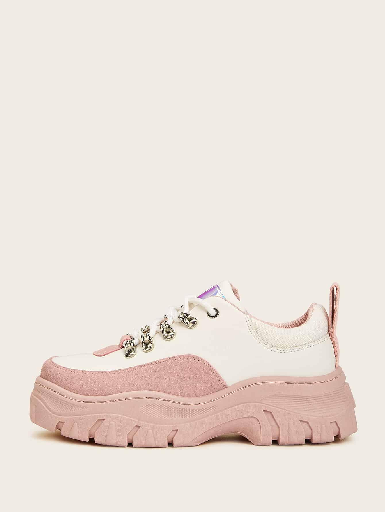 Фото - Контрастные кроссовки на платформе на шнуровке от SheIn цвет красочный