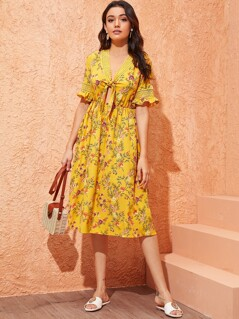 Guipure Lace Insert Knot Front Floral Print Dress