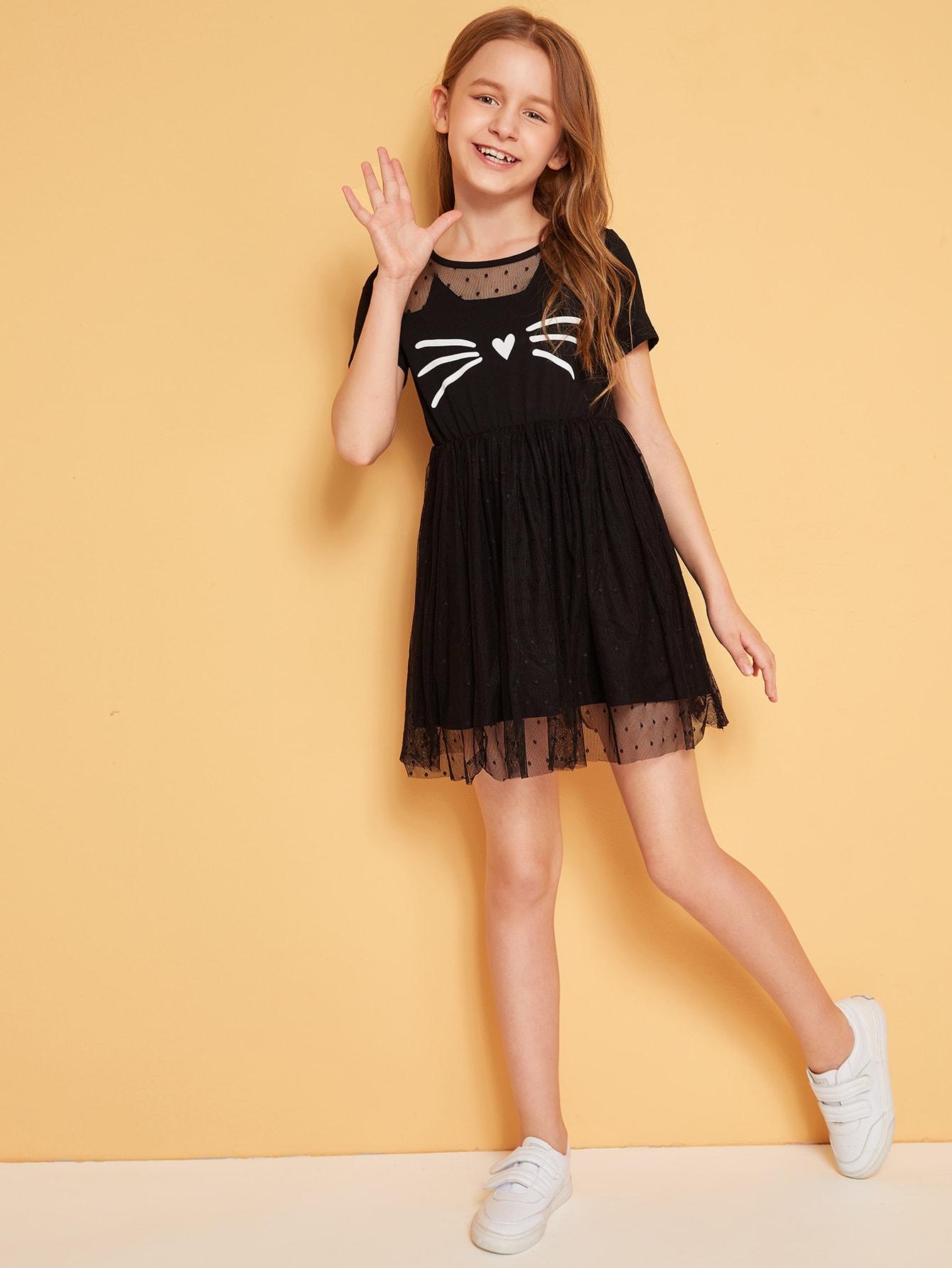 Фото - Платье со сеткой и оригинальным принтом для девочек от SheIn цвет чёрные
