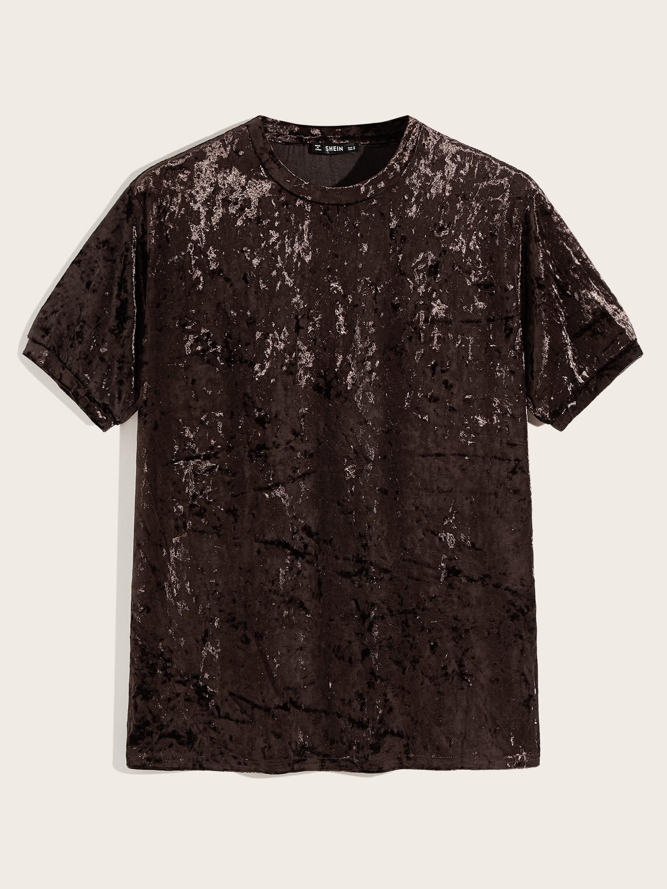 Фото - Мужская бархатная футболка с коротким рукавом от SheIn коричневого цвета