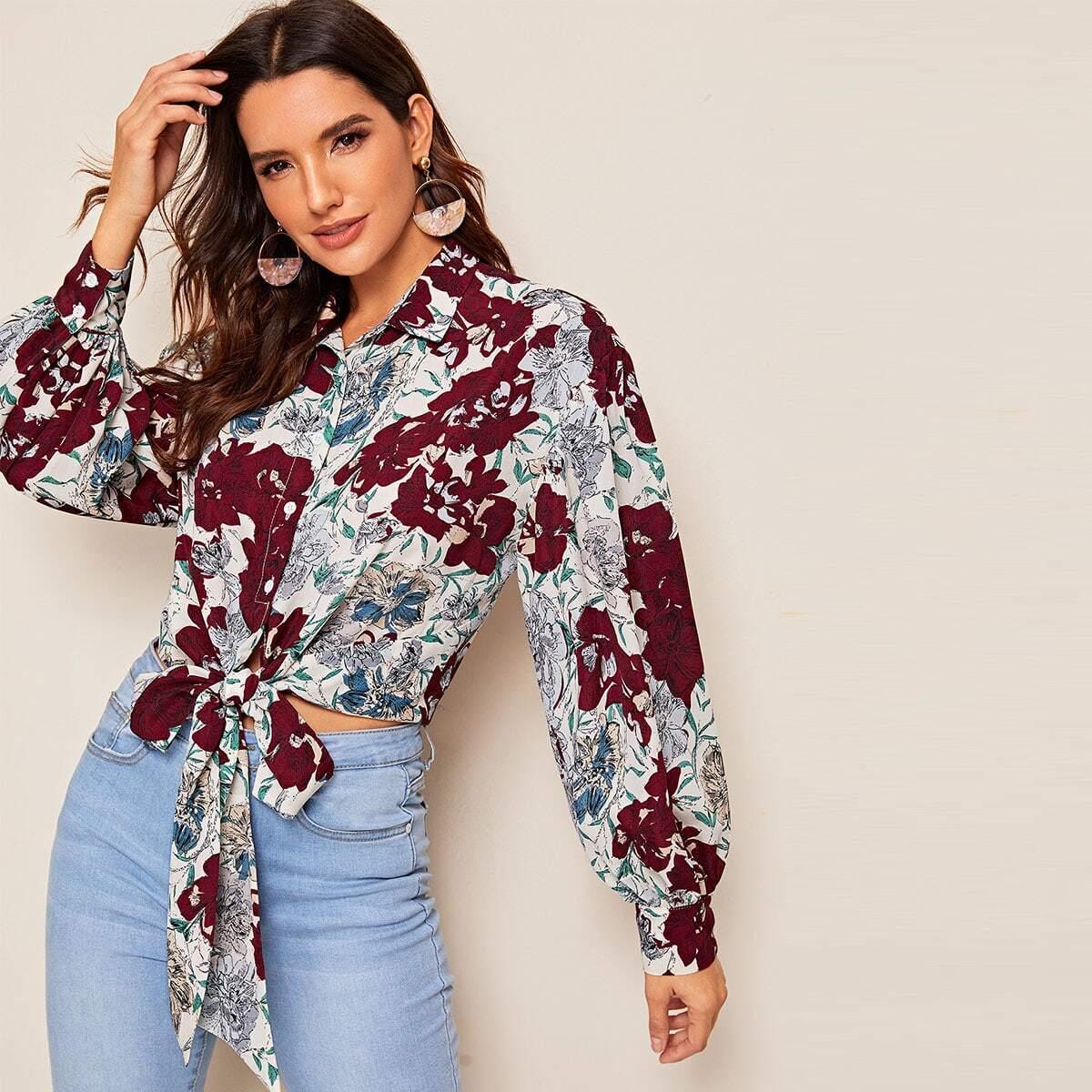 SHEIN / Bluse mit Blumen Muster und Knoten vorn