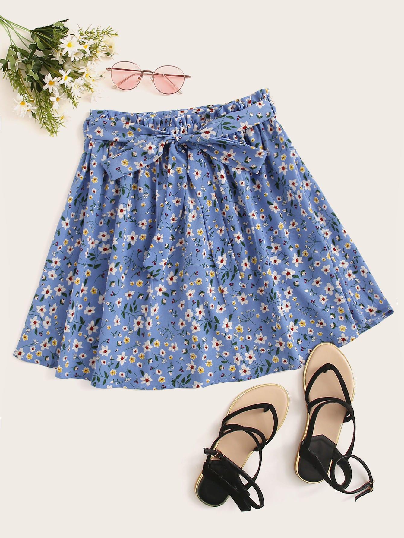 Фото - Цветочная юбка с поясом от SheIn синего цвета