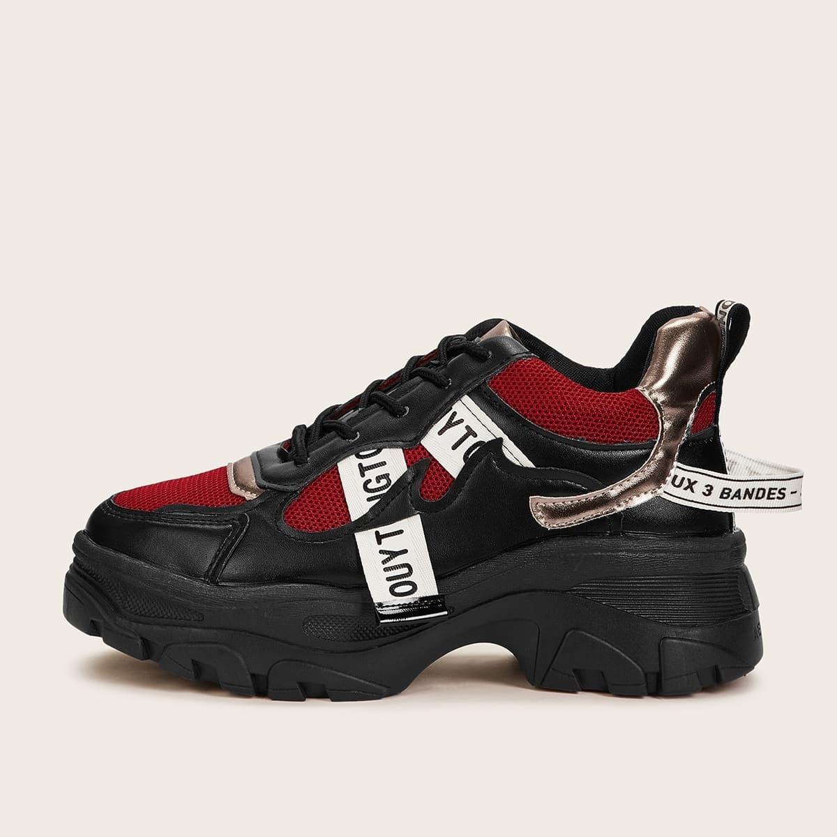 Кроссовки на шнуровке от SHEIN