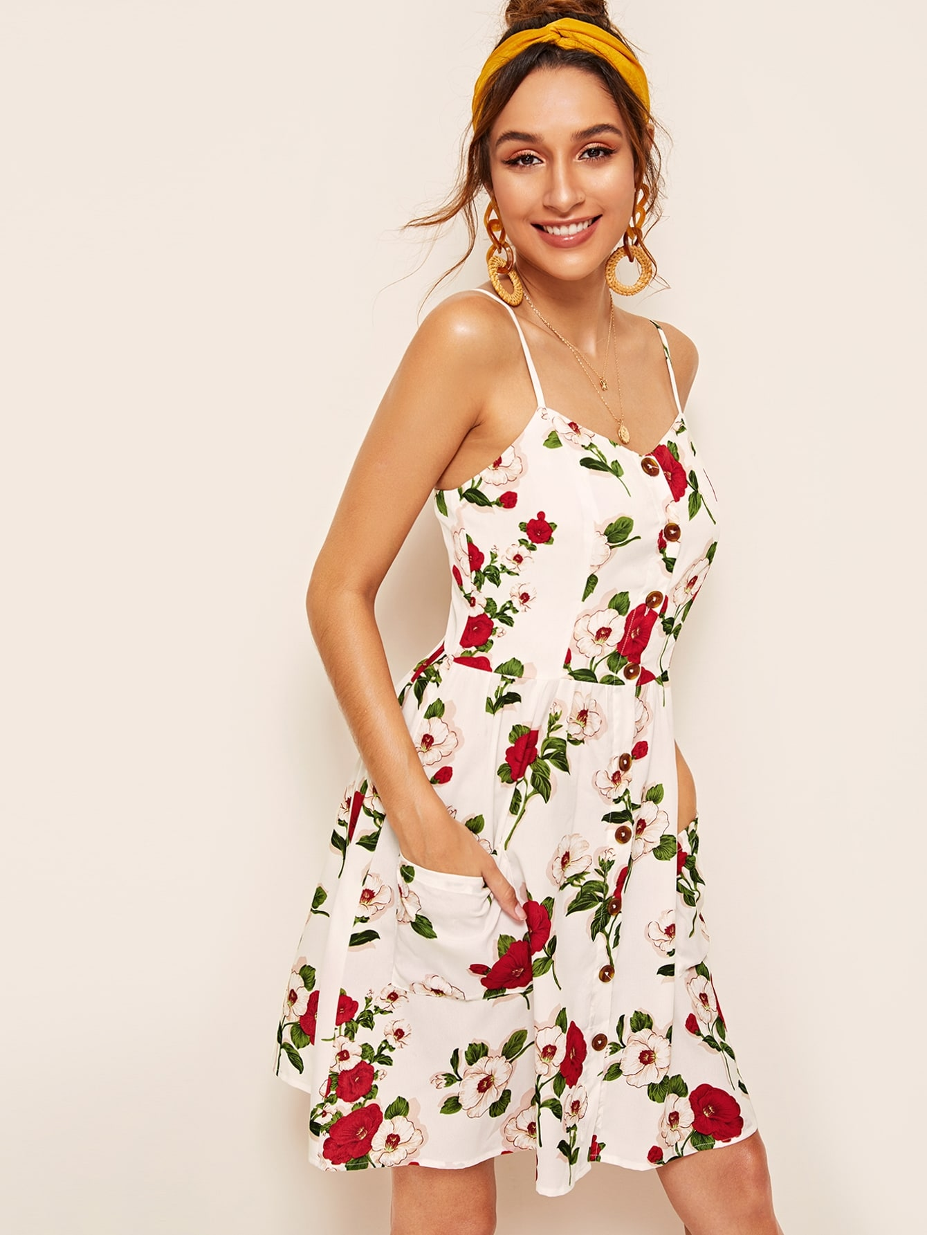 Фото - Платье-комбинация с цветочным принтом и карманом от SheIn цвет многоцветный