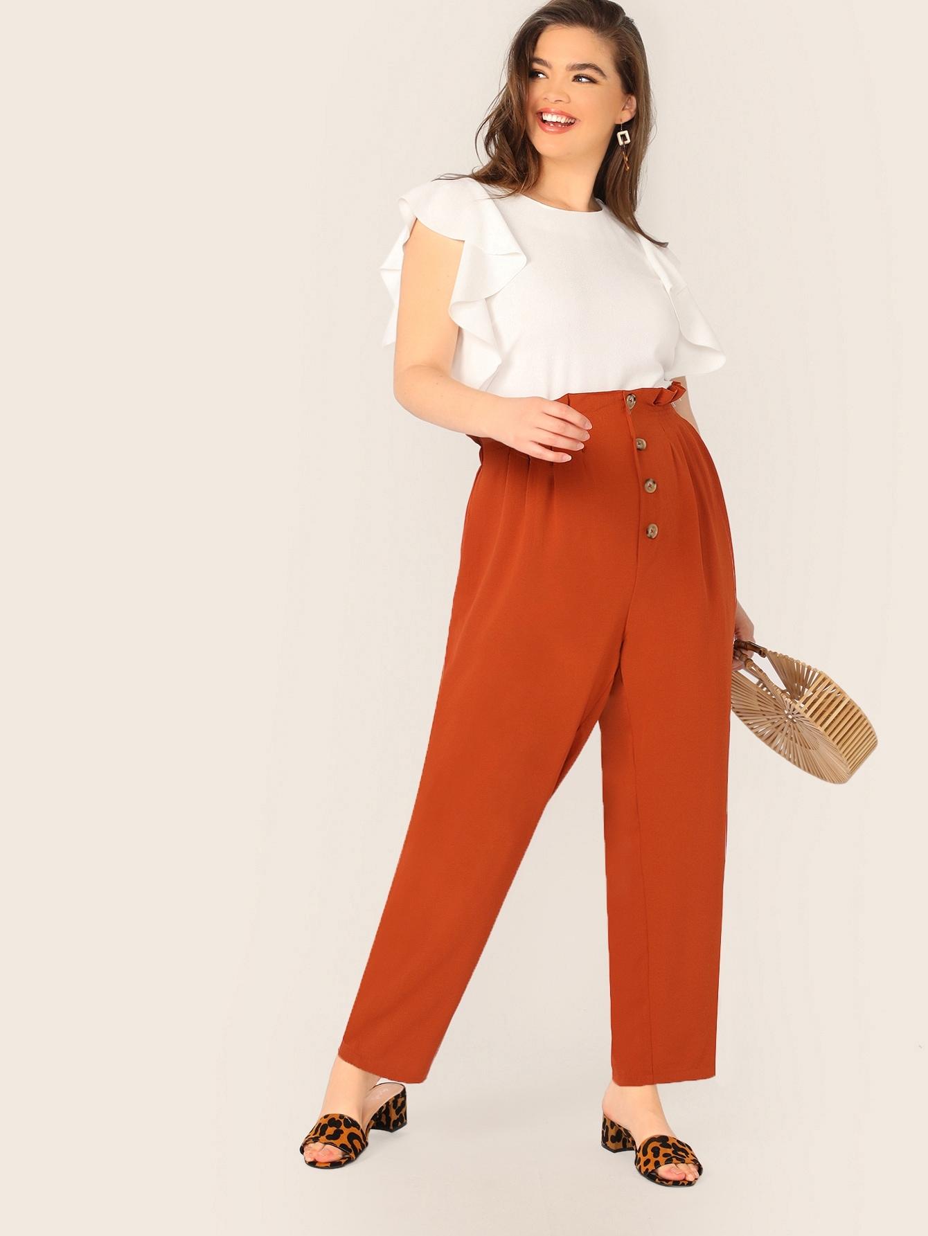 Фото - Неоновые брюки с оборкой и пуговицами размера плюс от SheIn цвет красные