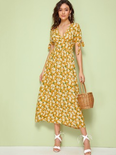 Daisy Print Plunging Neck Knot Cuff Dress