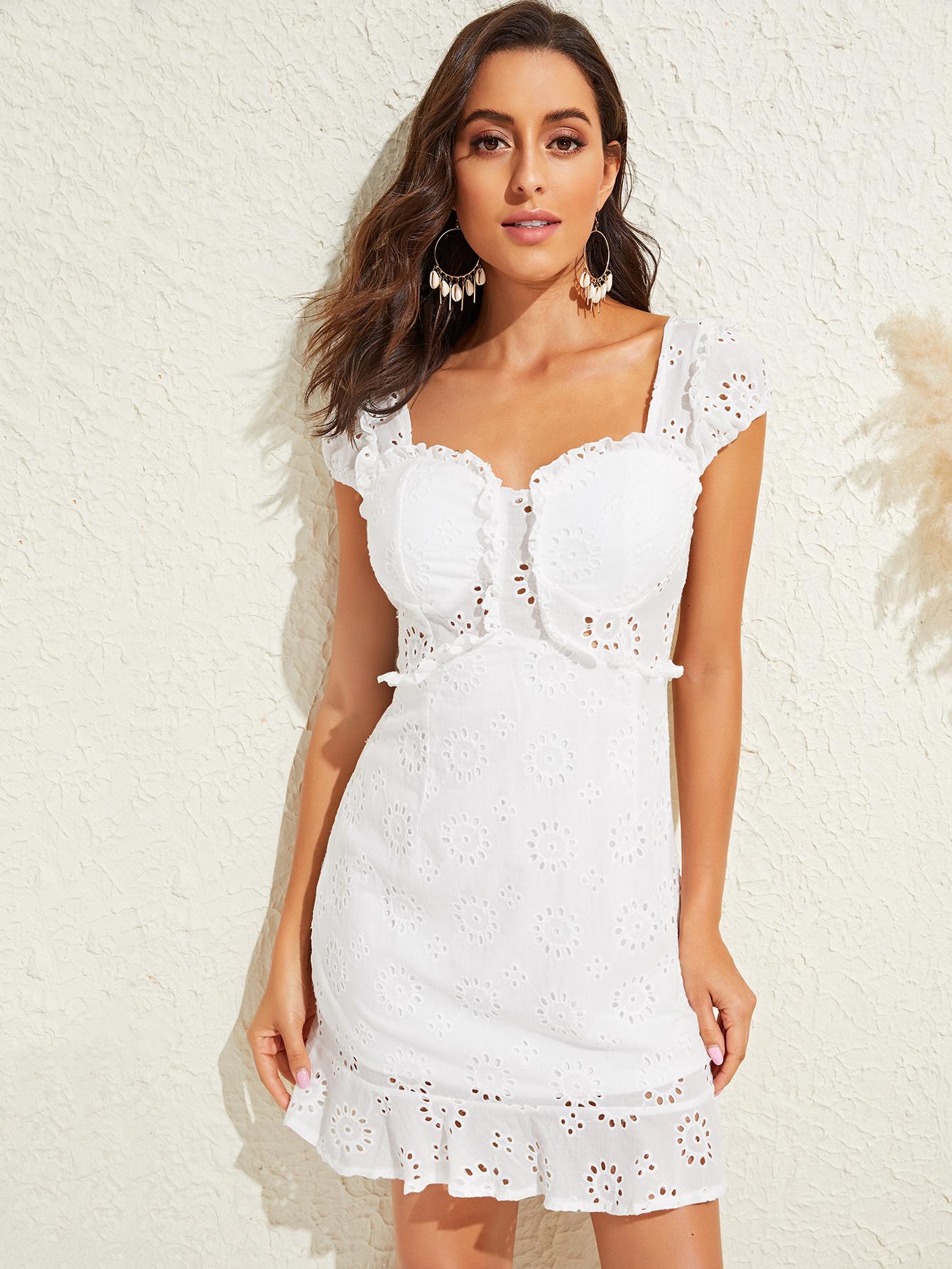 Фото - Однотонное платье с оборками от SheIn цвет белые