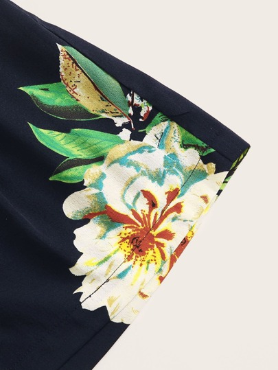 Фото 5 - Пижама на бретелях с графическим принтом от SheIn цвет белые