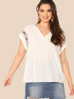 Plus V-neck Cuff Sleeve Embroidery Top