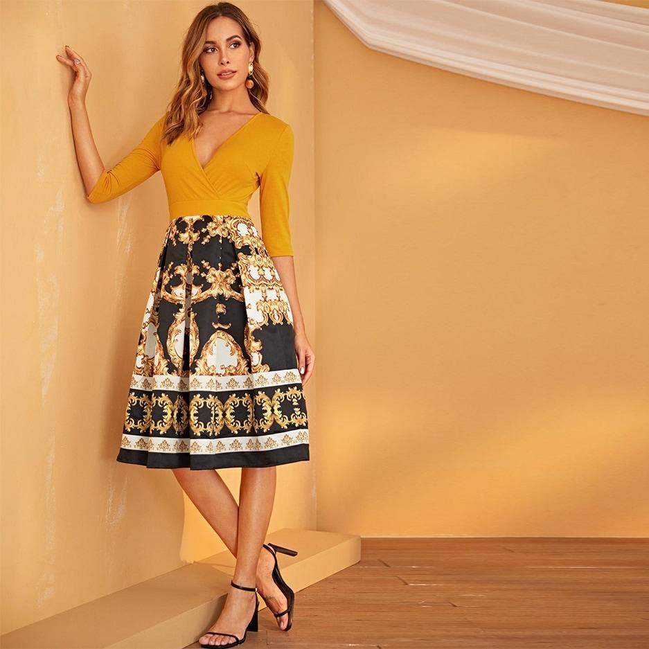 Стильное платье с графическим принтом Image