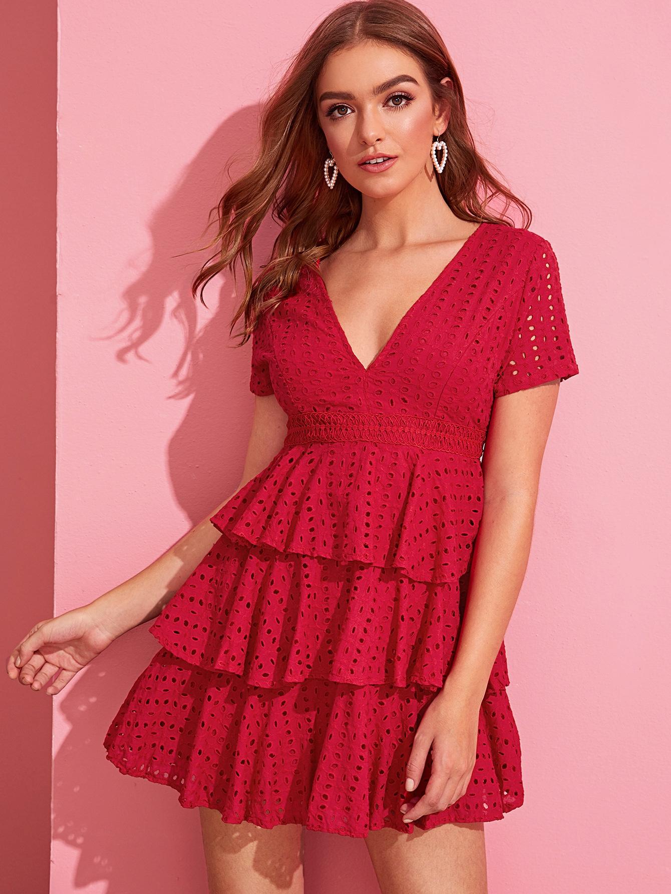 Фото - Платье с глубоким вырезом и многослойными оборками от SheIn цвет красные